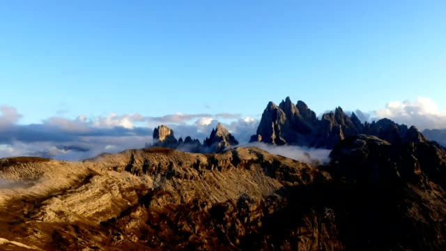timelapse clouds over dolomites mountain - tre cimo di lavaredo stock videos & royalty-free footage