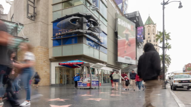 time-lapse crowd pedestrians turista a hollywood a los angeles california usa - boulevard video stock e b–roll