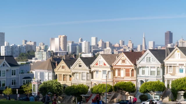 time-lapse crowd pedestrians tourist at painted ladies alamo square san francisco california usa - seeing paris: on the boulevards stock videos & royalty-free footage