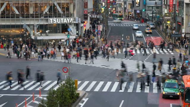 HD Zeitraffer Menge Menschen an Zebrastreifen Shibuya in Tokio, Japan