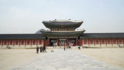 Time-Lapse - Crowded people at Gyeongbokgung Palace in Korea