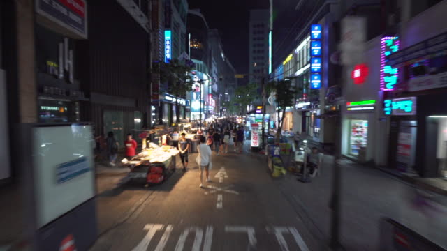 vídeos de stock, filmes e b-roll de timelapse, downtown seoul at night - loja