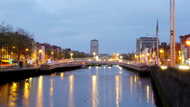 Timelapse: Dublin Ha'penny Bridge