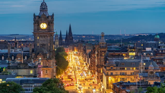 time-lapse: edinburgh cityscape at dusk uk - edinburgh scotland stock videos & royalty-free footage