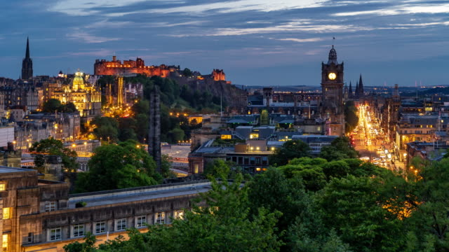 time-lapse: edinburgh cityscape at dusk uk - scottish culture video stock e b–roll