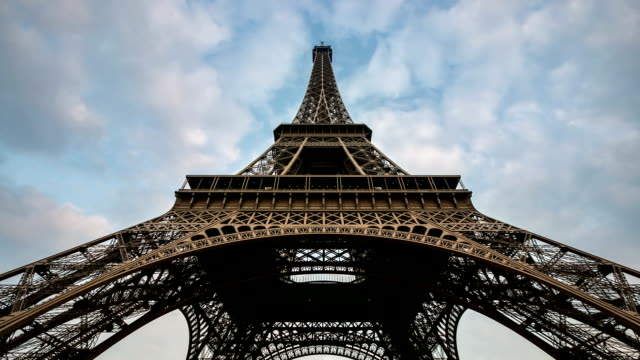 hd timelapse: eiffel tower paris with cloudscape evening, france - eiffel tower stock videos and b-roll footage