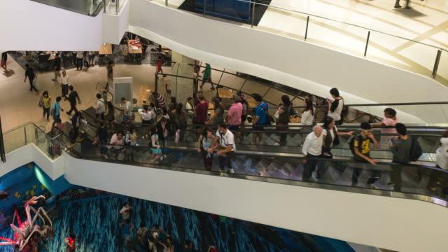hd :time -lapse (低速度撮影) タイのバンコクに続くエスカレーターショッピングモール - エスカレーター点の映像素材/bロール