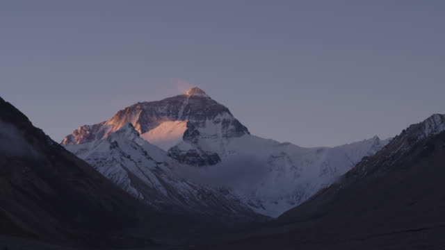 time-lapse everest north slope sunrise and sunset times in china - traditionally tibetan stock videos & royalty-free footage