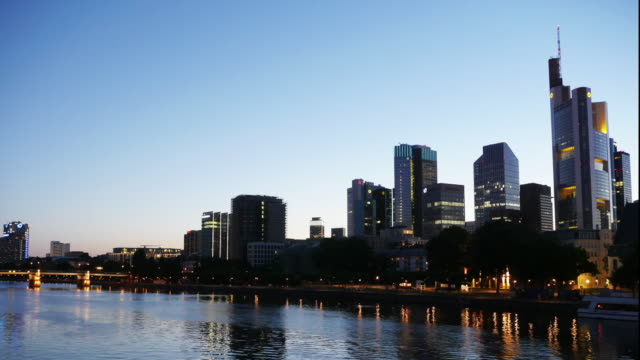 4K - Timelapse Frankfurt Skyline in the Evening