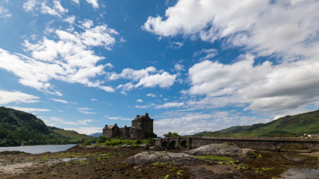 Timelapse go the iconic Eilean Donan Castle in Scotland
