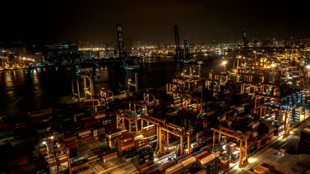 zeitraffer - internationale containerhafen in hong kong - hafen stock-videos und b-roll-filmmaterial