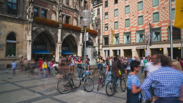 Timelapse / Hyperlapse of the Fish Fountain at the Marienplatz in Munich, Bavaria, Germany