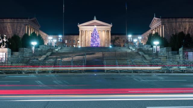 timelapse in front of philadelphia museum of art at night - philadelphia pennsylvania bildbanksvideor och videomaterial från bakom kulisserna