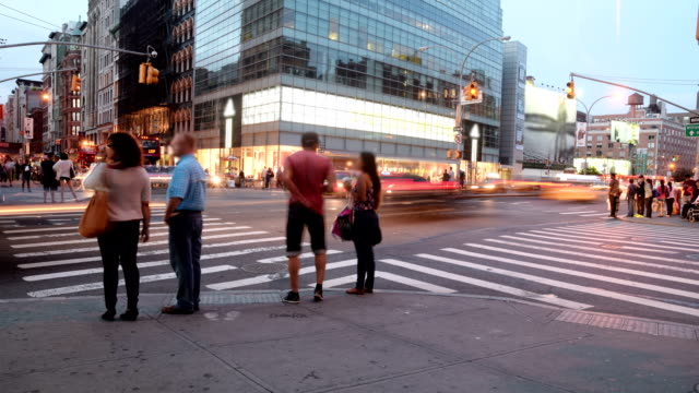 timelapse in new york city - road junction stock-videos und b-roll-filmmaterial