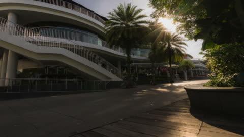 hd time-lapse : keppel bay in the morning , singapore - varmt ljus bildbanksvideor och videomaterial från bakom kulisserna
