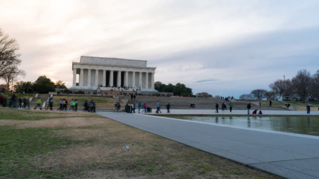 time-lapse: lincoln memorial building sunset in washington, dc usa - reflecting pool washington dc stock videos & royalty-free footage