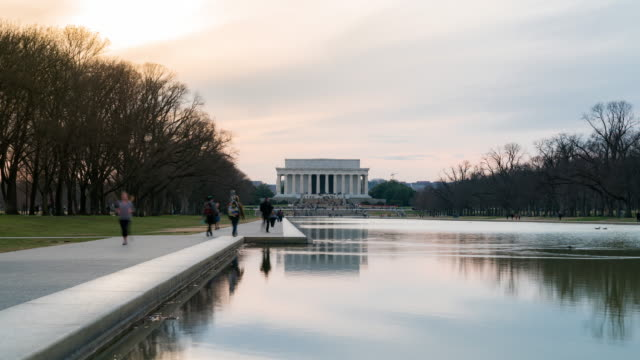 4k uhd time-lapse: lincoln memorial building sunset in washington, dc usa - standing water stock videos & royalty-free footage