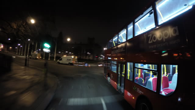 vídeos de stock e filmes b-roll de timelapse: london streets at night - car point of view