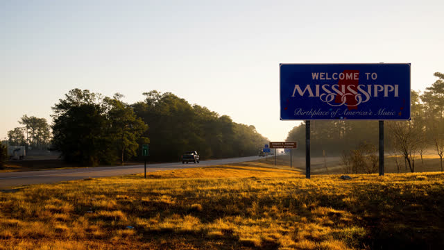 timelapse mississippi welcome sign - welcome sign stock videos & royalty-free footage