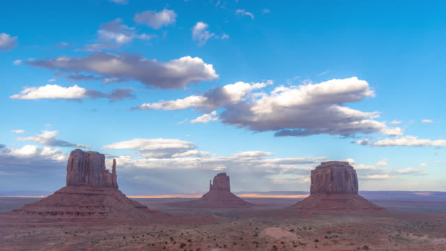vídeos de stock e filmes b-roll de time-lapse monument valley navajo tribal park in utah usa - ponto de referência natural