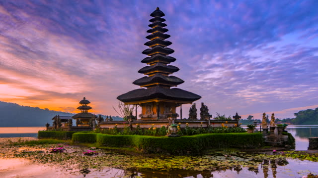 4K Timelapse Movie Sunrise Scene of Pura Ulun Danu Bratan Temple, Bali, Indonesia