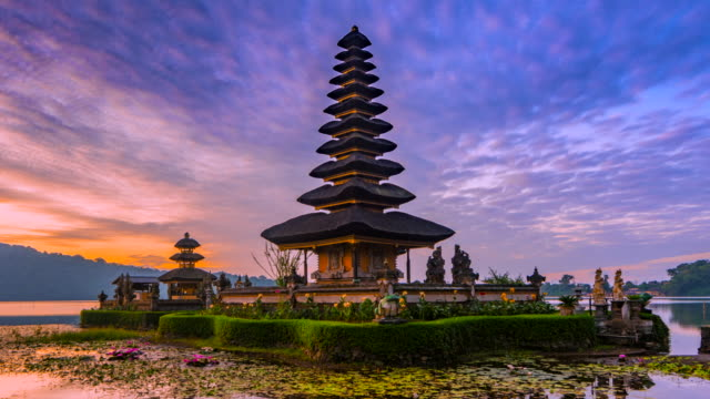 4k timelapse movie sunrise scene of pura ulun danu bratan temple, bali, indonesia - bali stock videos & royalty-free footage