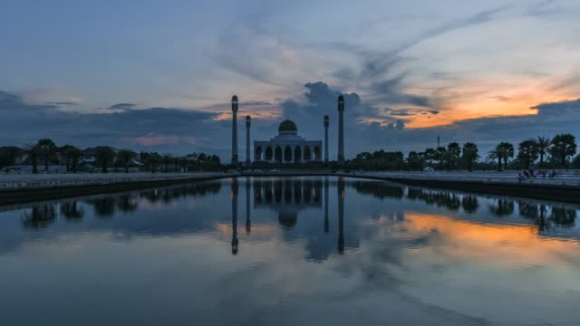 4K Timelapse Movie Sunset Scene of Central Mosque, The Biggest Muslim Mosque in Songkhla, Thailand