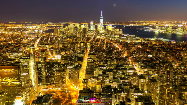 time-lapse in hd: new york city skyline veduta aerea - new york stato video stock e b–roll