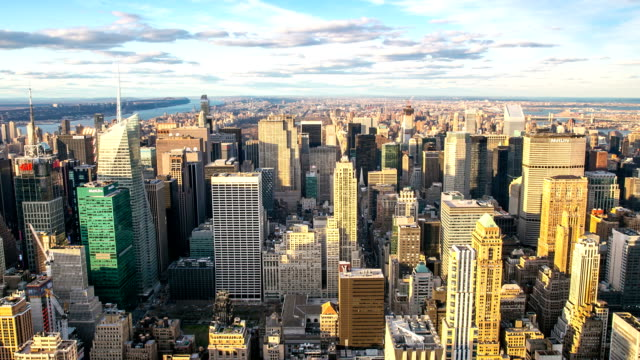 vidéos et rushes de hd time-lapse: new york city skyline vue aérienne - place