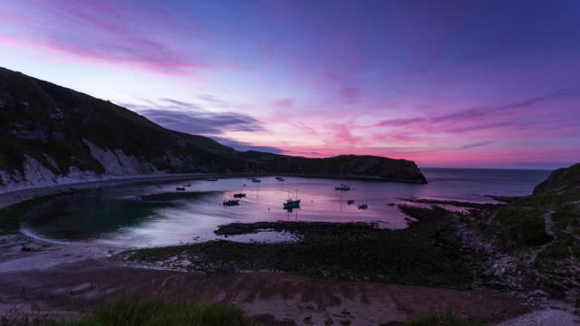 LULWORTH COVE - TimeLapse of a Sunrise at the Jurassic Coast