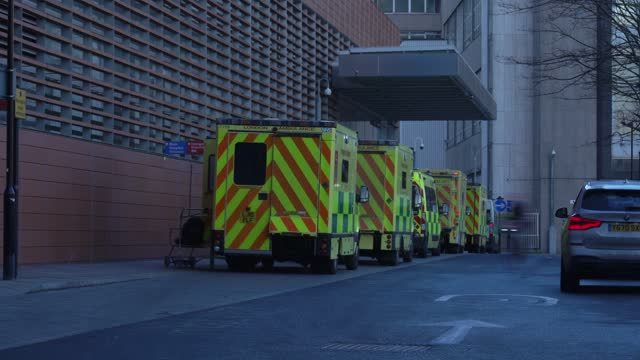 GBR: London hospitals see record Covid patient admissions