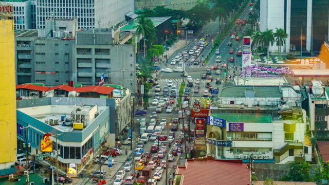 vídeos de stock e filmes b-roll de time-lapse of busy traffic of manila - time lapse de trânsito