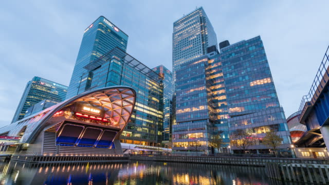 LONDON: TimeLapse of Canary Wharf Skyline