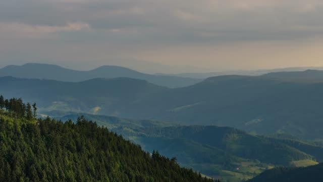 圧延の丘風景雲の微速度撮影 - シュバルツバルト点の映像素材/bロール
