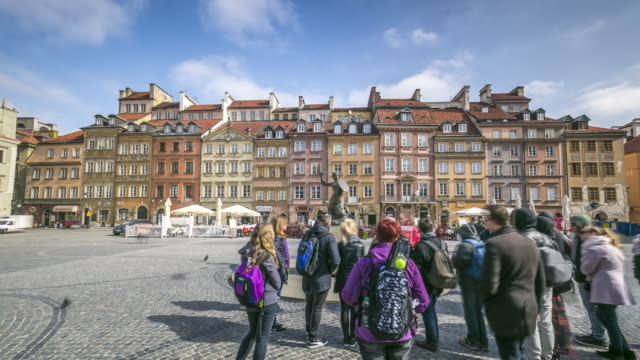 timelapse of famous warsaw mermaid statue at the old town market place in warsaw, poland. april, 2017. - warsaw stock videos & royalty-free footage