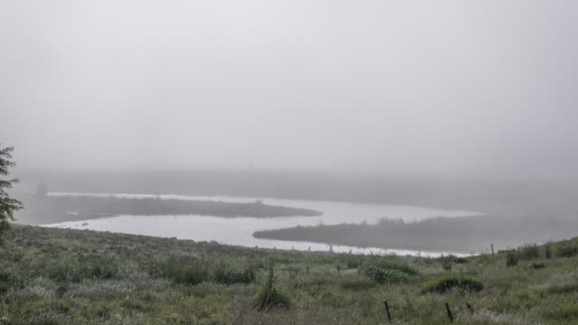 time-lapse of foggy morning and s-shape river - s shape stock videos & royalty-free footage