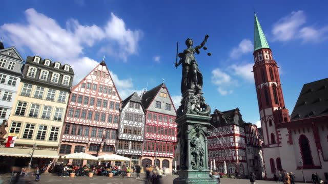 timelapse of fountain of justice frankfurt germany - frankfurt main stock videos & royalty-free footage