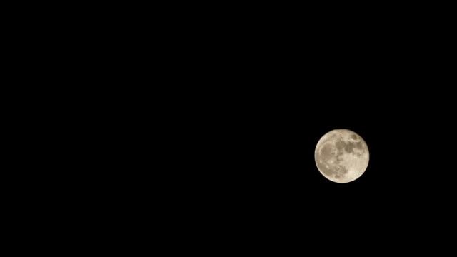 stockvideo's en b-roll-footage met timelapse van de volle maan - pjphoto69