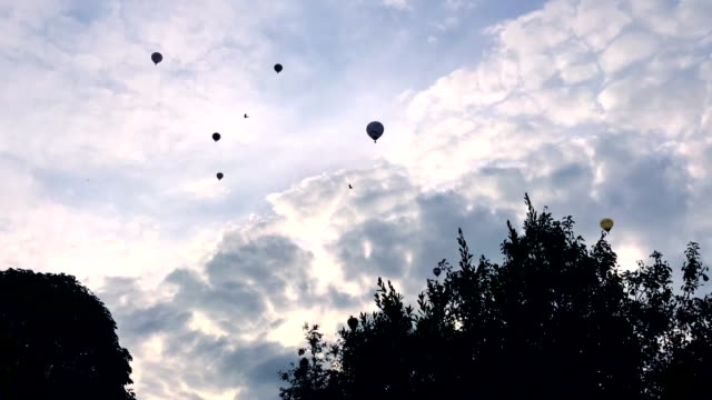 timelapse of hot air balloons - bristol england stock videos & royalty-free footage