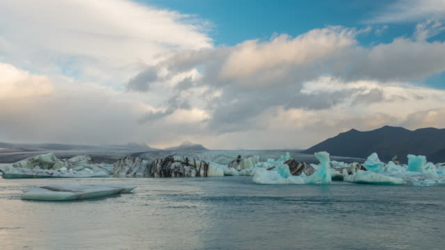 4K Time-lapse of Jokulsarlon Glacier Lagoon