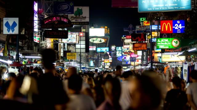 Zeitraffer der Khao San Road in der Nachtzeit.