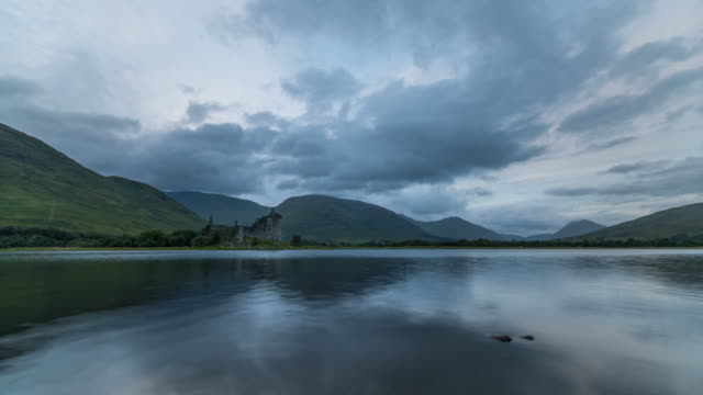 timelapse of kilchurn castle - scottish culture video stock e b–roll