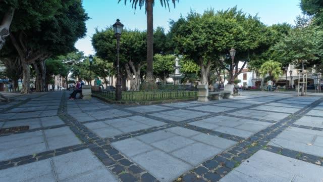 vídeos y material grabado en eventos de stock de time-lapse of la laguna town in tenerife - moneda de veinticinco céntimos