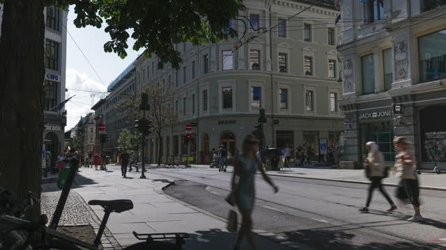 timelapse of large group of people walking around in oslo, norway - fast motion stock videos & royalty-free footage