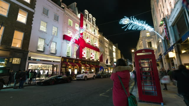 LONDON: TimeLapse of London New Bond Street Christmas decoration