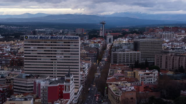 timelapse of madrid at sunset with traffic flow - fast motion stock videos & royalty-free footage