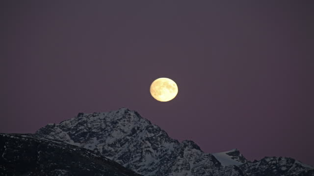 time-lapse of moonrise over the chugach national forest, alaska. - chugach national forest stock videos & royalty-free footage
