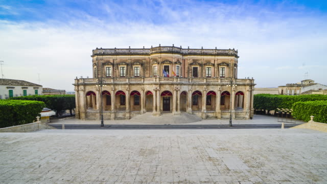 timelapse of noto town hall (palazzo ducezio municipio) at sunrise, noto, val di noto, sicily, italy, europe - sicily stock videos & royalty-free footage
