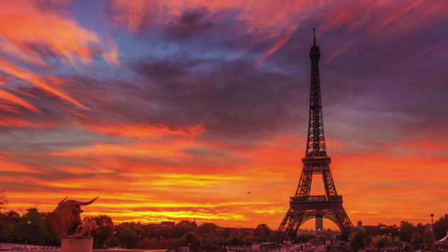 4k timelapse of paris at sunrise with trocadero gardens - paris france stock videos & royalty-free footage