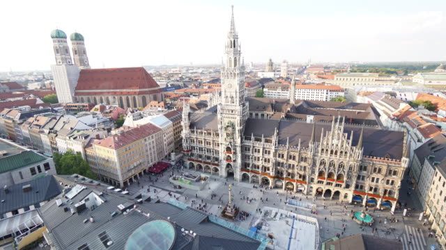 Time-lapse of Pedestrian crowded at Marienplatz